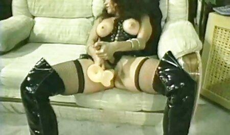 धोखा दे रही शौकिया फूहड़ डिक सेक्सी मूवी वीडियो में सेक्सी चूसने