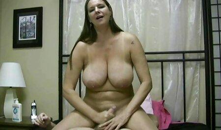 खिलौना चिढ़ा के बाद दिलेर स्तन फुल हिंदी सेक्सी मूवी के साथ बेबे सह खाती है