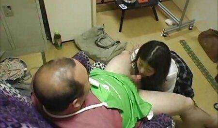 प्यार से उसकी चूत को सेक्सी फुल मूवी वीडियो छूना