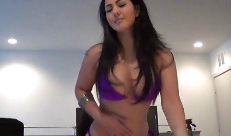 सड़कों और नाइट क्लबों सेक्सी फुल मूवी वीडियो में नग्न लड़की