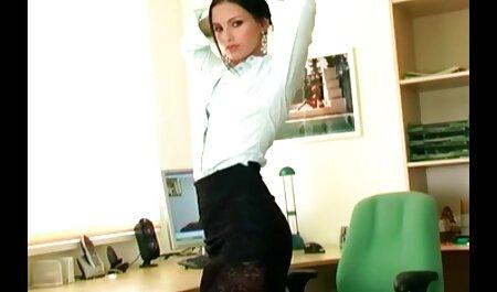 Pervy बॉस अपने गर्म सहायक बेकार है! फुल सेक्सी हिंदी मूवी