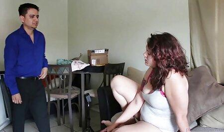 दो गर्म लड़कियों कैम पर एक सेक्सी पिक्चर मूवी फुल एचडी दूसरे के साथ खेलते हैं
