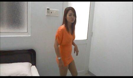 गोल - मटोल लड़की यह गधा ऊपर ले जाता हिंदी मूवी का सेक्सी वीडियो है